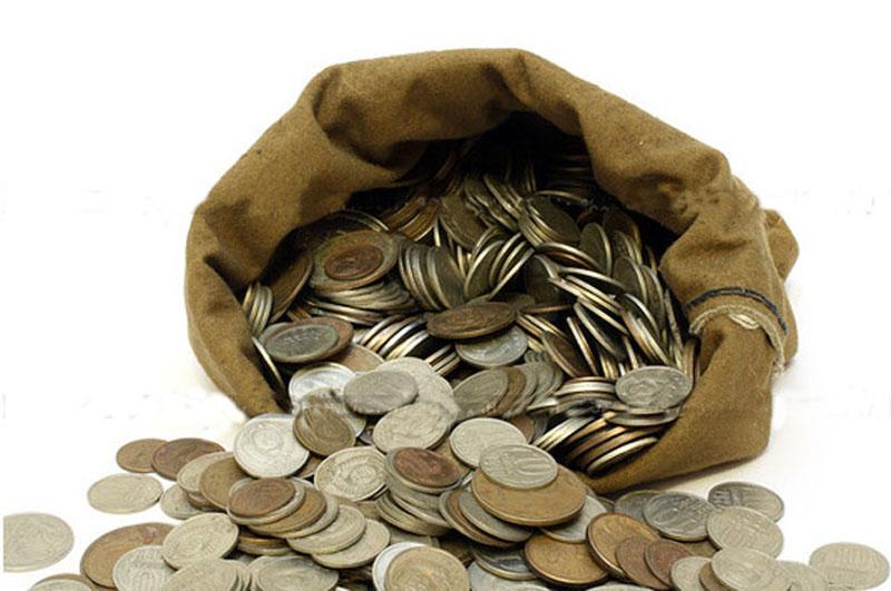 Транспортное предприятие из Кадуя отдало приставам в счет долга 10-килограммовый мешок монет