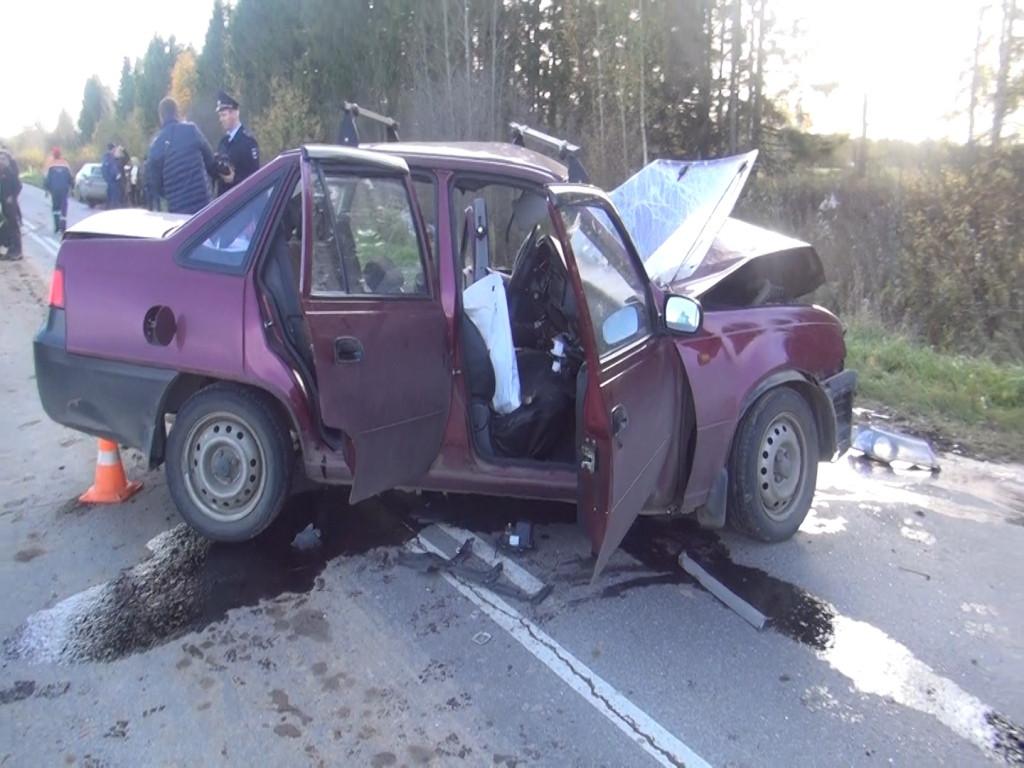 В Грязовецком районе столкнулись две иномарки: пострадали пять человек