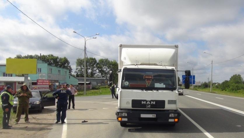 В Вологодском районе грузовик сбил насмерть пешехода