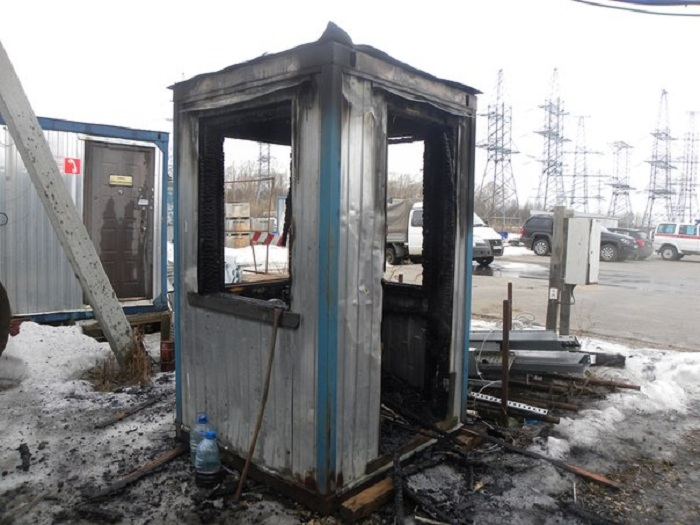 Два поста охраны сгорели в Вологде в выходные: один сторож погиб, второй был пьян