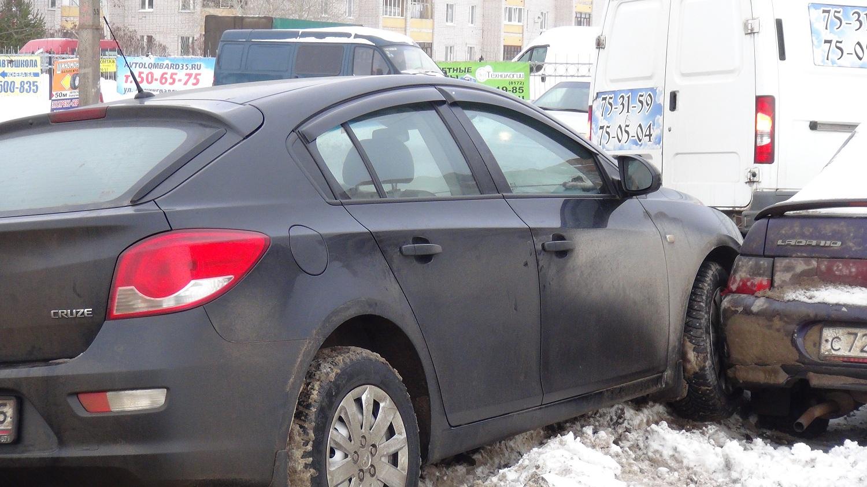 В Вологде мужчина умер за рулём автомобиля