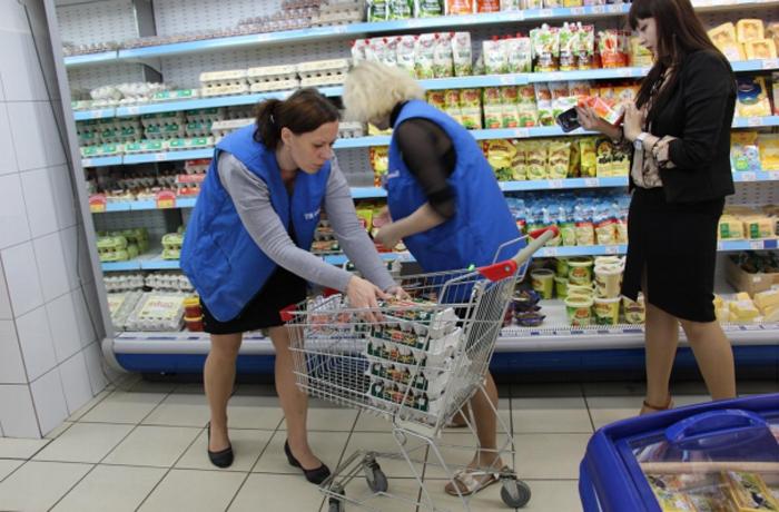 В Череповце из магазинов изъяли 20 кг негодной продукции