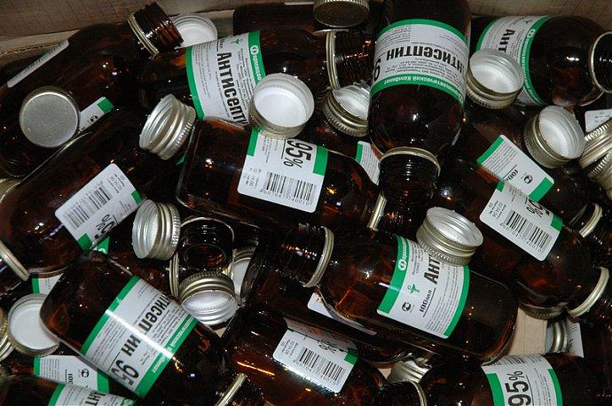 В поисках спирта вологжанин вломился в аптеку