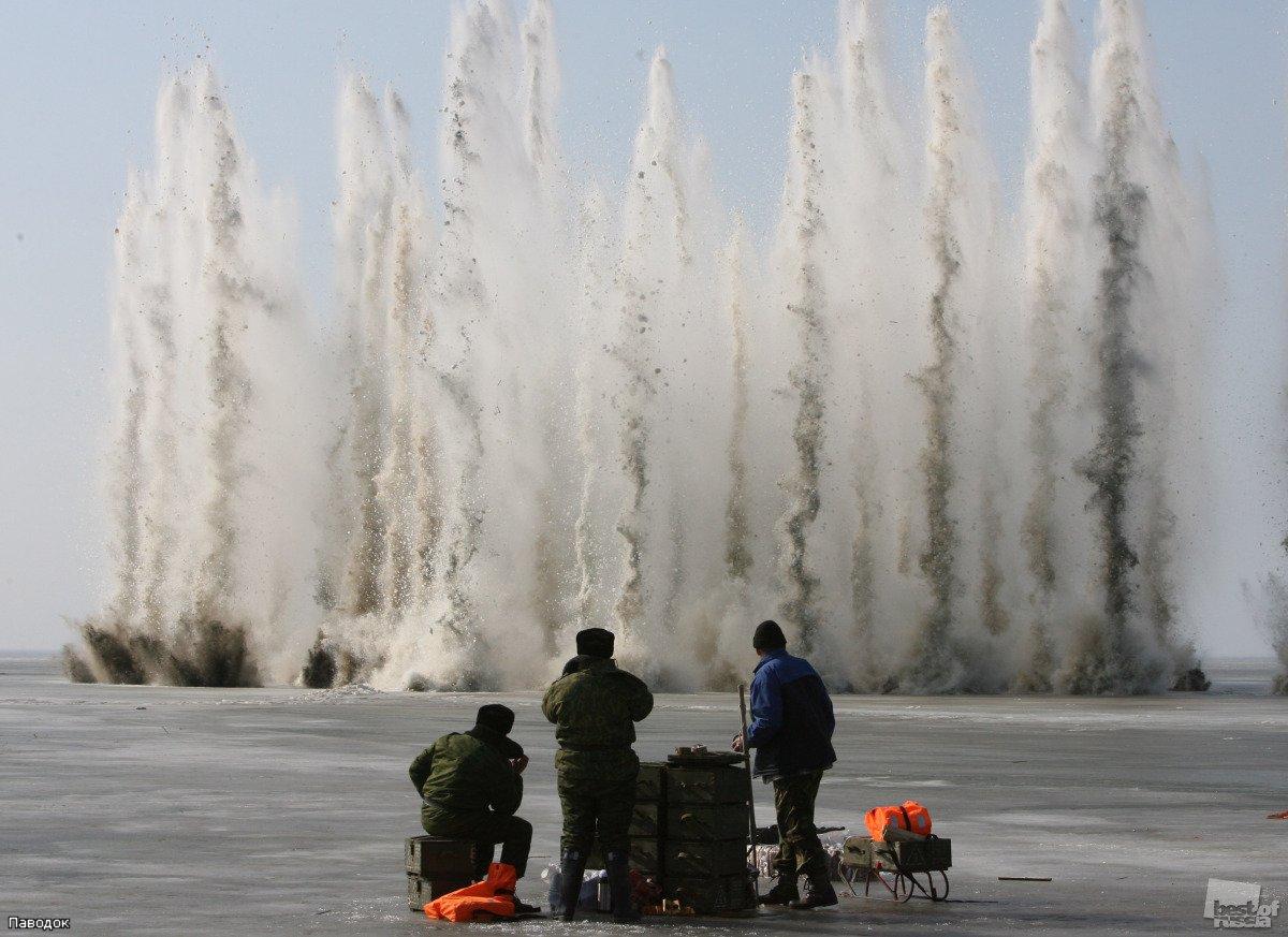Военные помогут спасателям взрывать лед в Великом Устюге