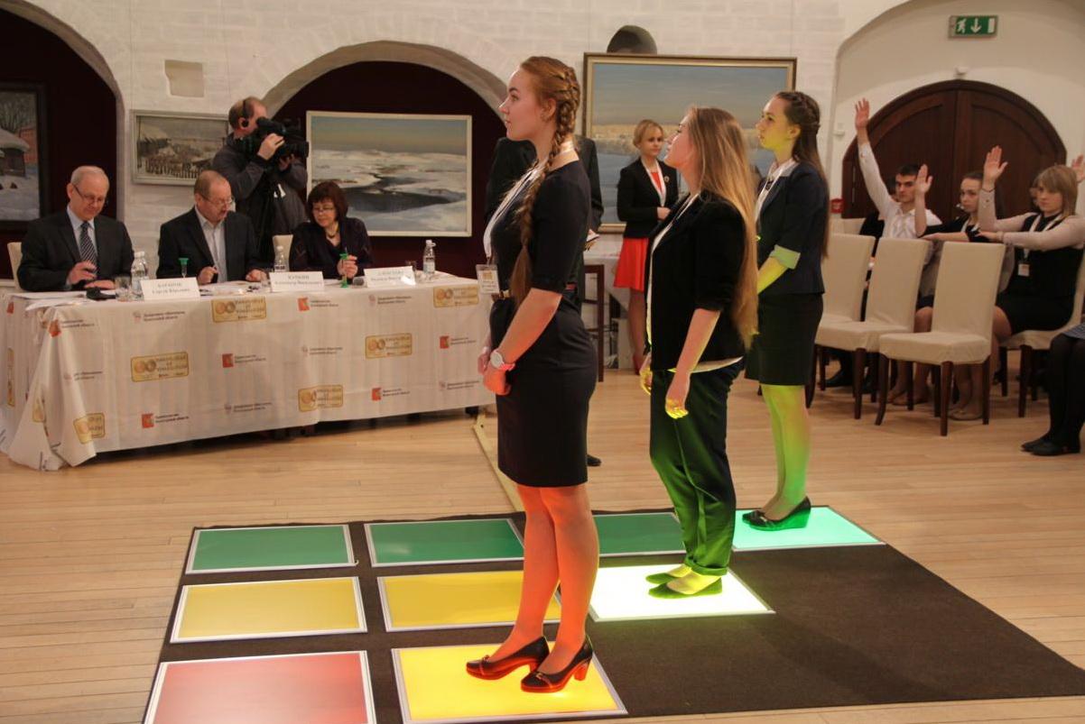 Три вологодских школьника примут участие в передаче «Умницы и умники» на Первом канале