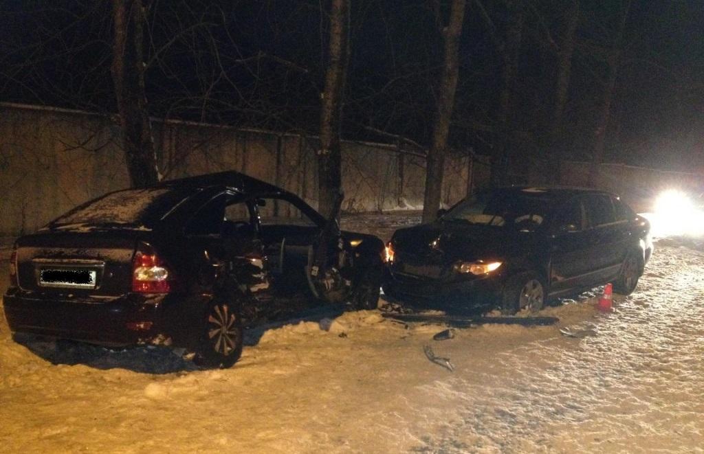 Четыре человека пострадали в аварии в Вологде в результате обгона