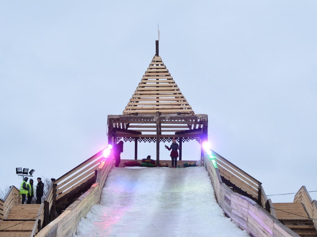 Вологжане предлагают установить Царь-горку возле Ледового дворца