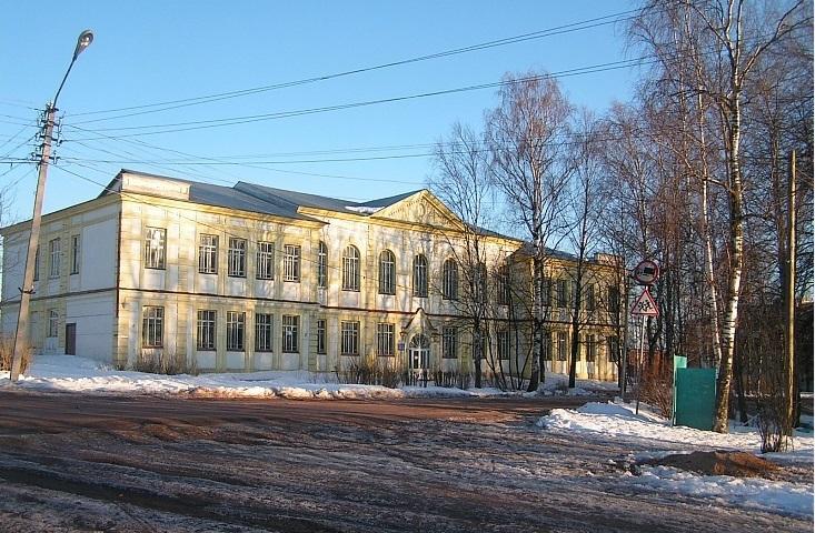 В Вытегорском районе суд закрыл школьную мастерскую: там прогнил пол