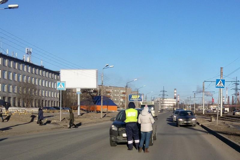 В Череповце на пешеходном переходе сбили фельдшера: женщина умерла в больнице