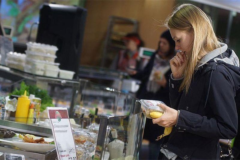 Траты жителей Вологодской области на товары и услуги уменьшились на 30%