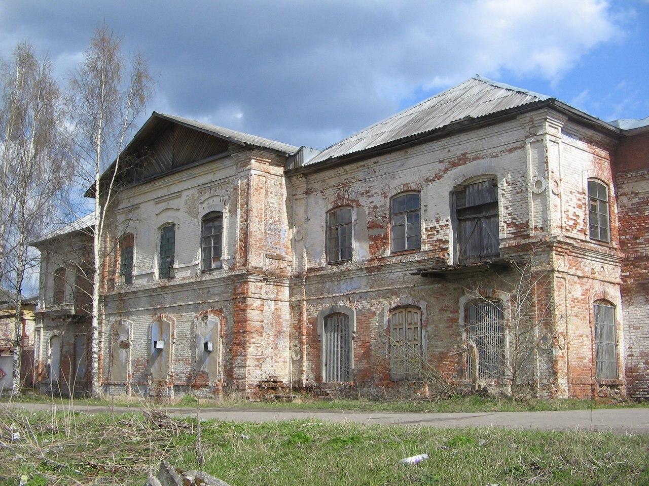 В Вологде снесли здание XIX века: исторический кирпич  распродают