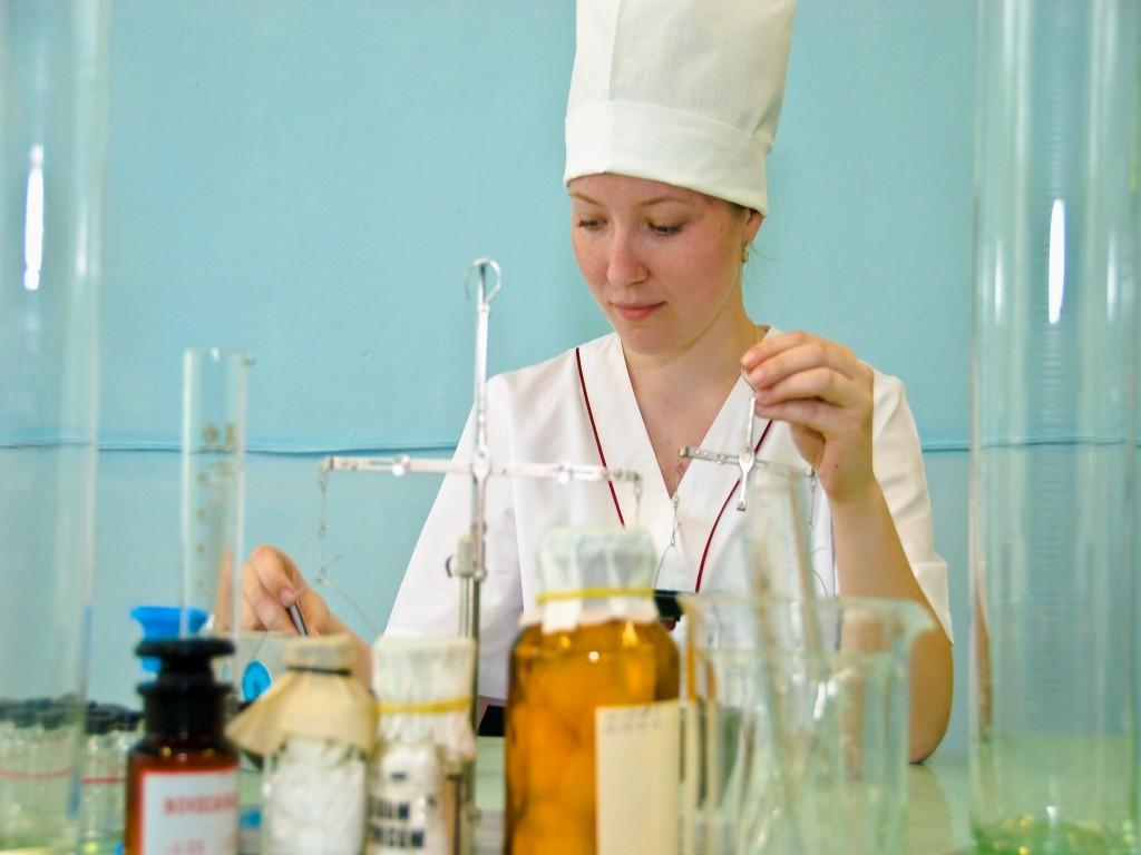 Зарплаты младшего медперсонала в Вологодской области обещают повысить в 2015 году