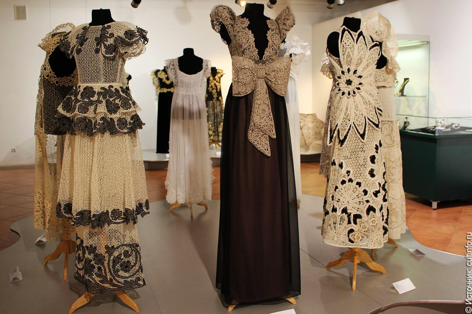 От кружевоплетения до ювелирного искусства: выставка от выпускников Петербургской школы народных искусств открылась в Вологде