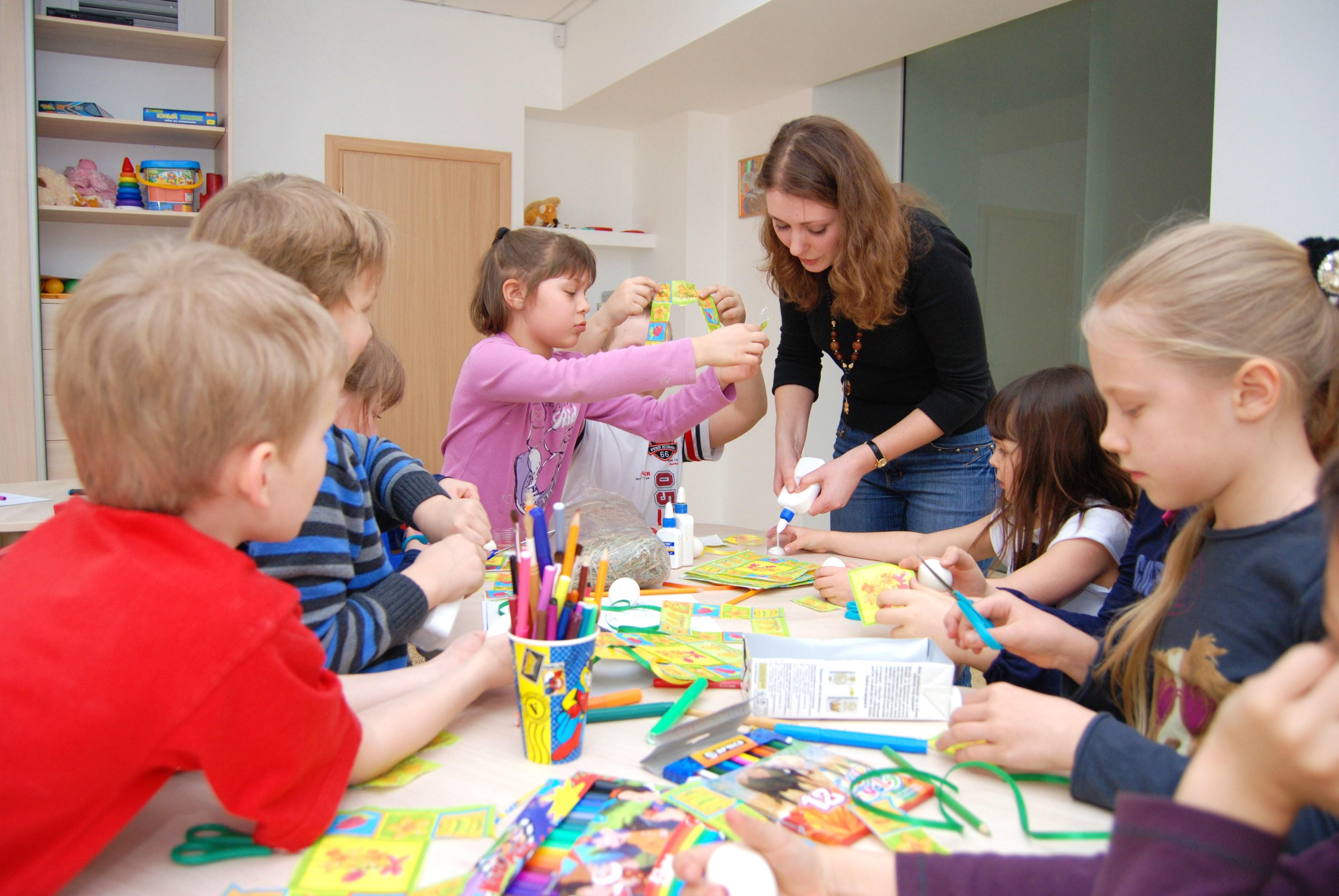 Жителям восьми районов Вологодской области выдадут сертификаты на допобразование детей