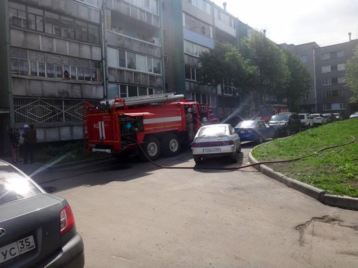Два человека погибли на пожаре в Череповце