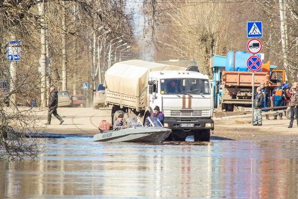 Замгубернатора о причинах паводка в Устюге: «Нужно чистить реку»