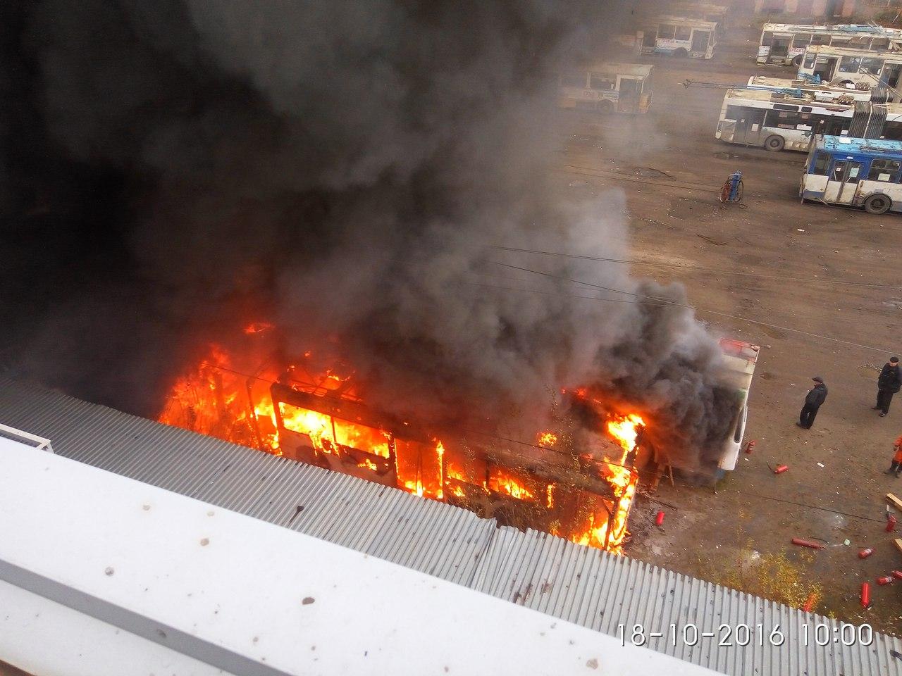 В Вологде сгорели два троллейбуса