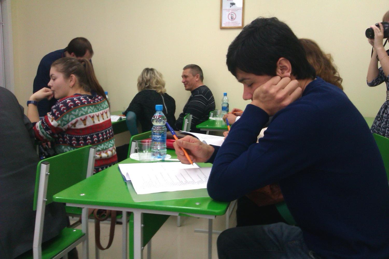 Около 80 мигрантов в Вологодской области не справились с экзаменами