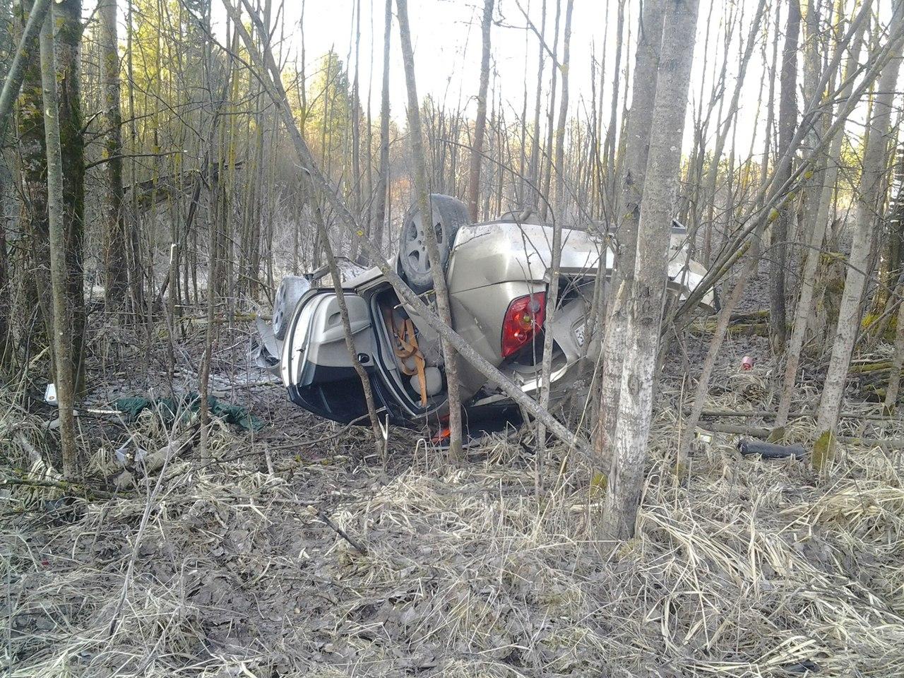 В Вологодском районе водитель «Ниссана» не справился с управлением и вылетел в кювет