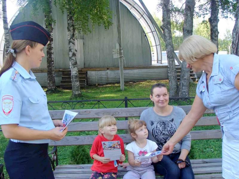 Бабушки из Бабушкинского района выступили за безопасность на дороге