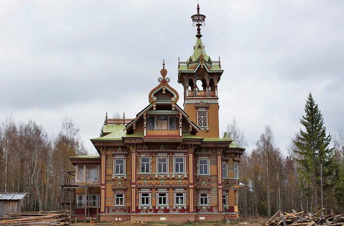 Кирилловские мастера отреставрировали Асташевский терем