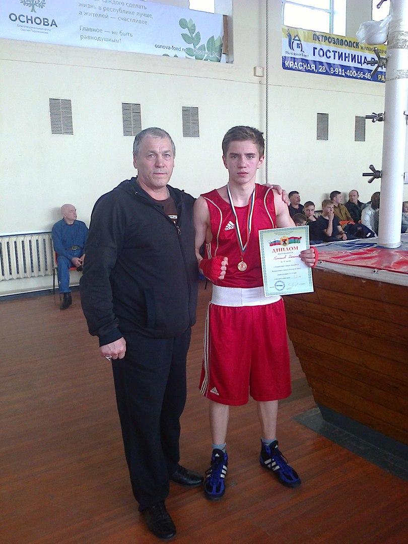 Устюжанин Даниил Коняшов стал лучшим боксёром на Северо-Западе