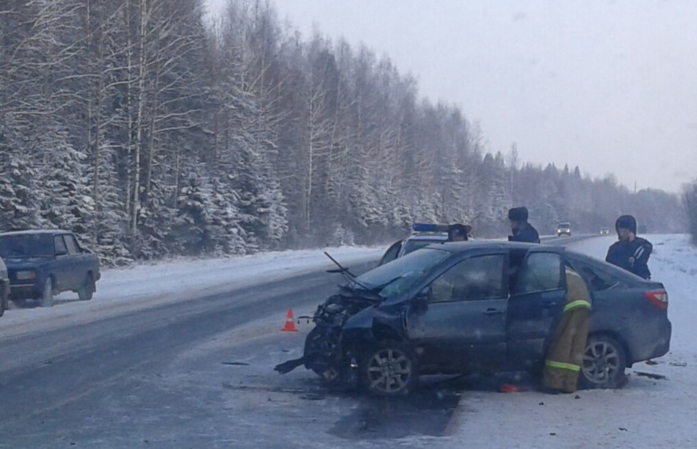 Два человека погибли в ДТП на 146 километре трассы Вологда - Новая Ладога