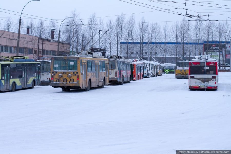 Четыре последних низкопольных троллейбуса в Вологде забрали на штрафстоянку