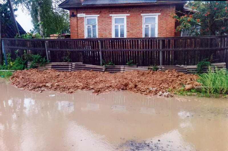 В Вологде из-за строительства многоэтажки затопило участок возле жилого дома