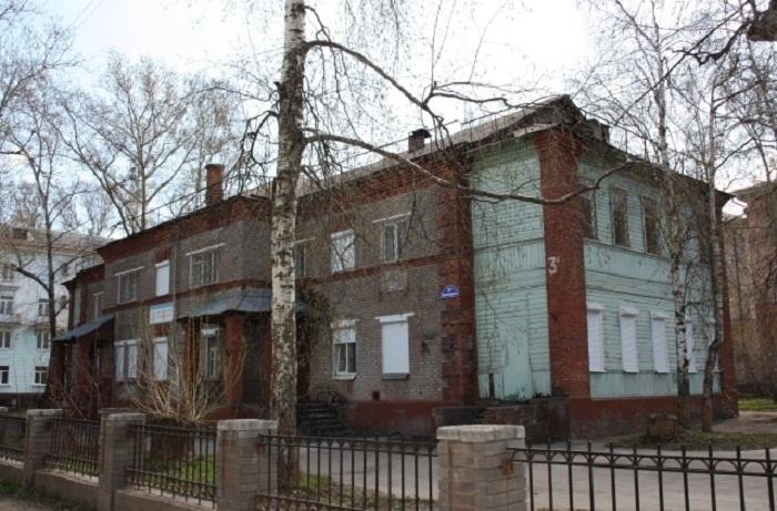 В Череповце педагог Центра детского творчества покончила с собой на работе