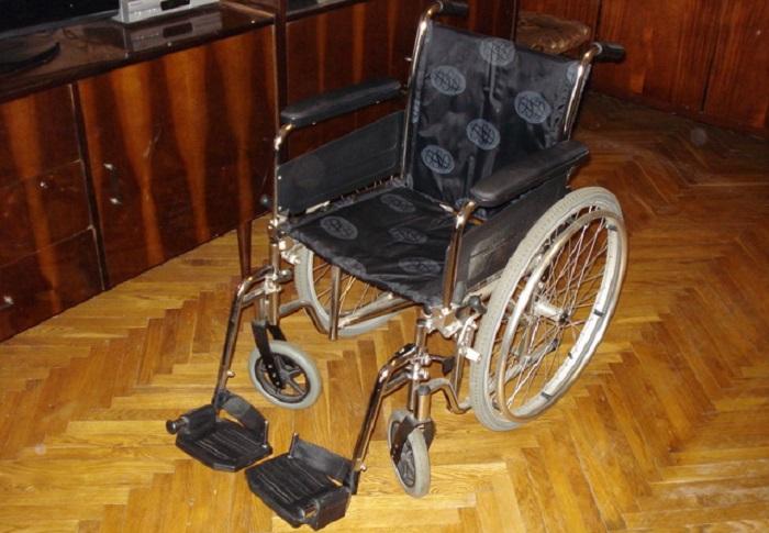 В Великоустюгском районе безработный украл из коммунальной квартиры инвалидную коляску