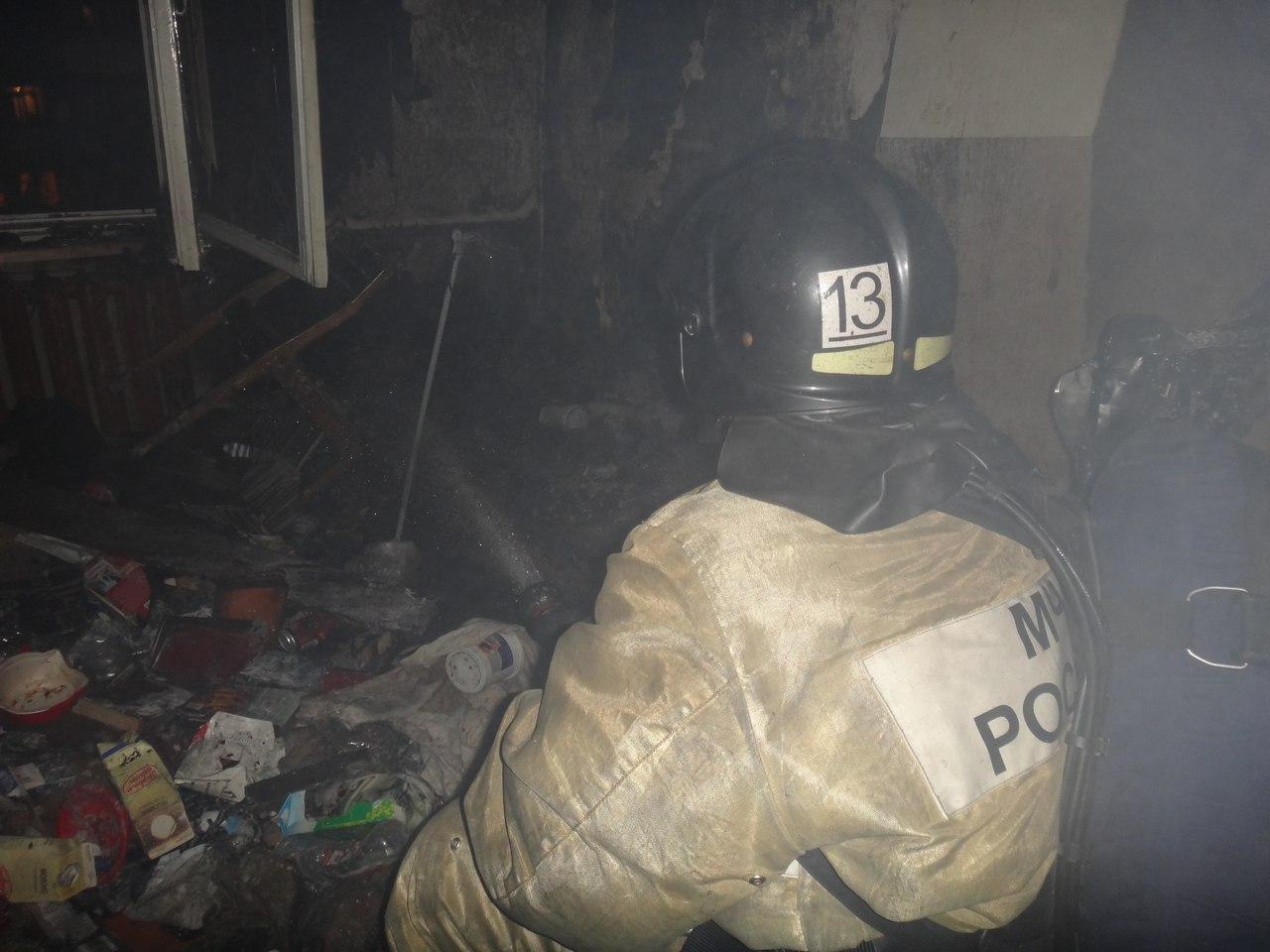 Пьяную череповчанку спасли из огня пожарные