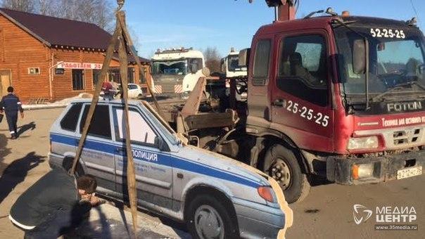 Муляж патрульной машины появился на трассе Вологда — Новая Ладога