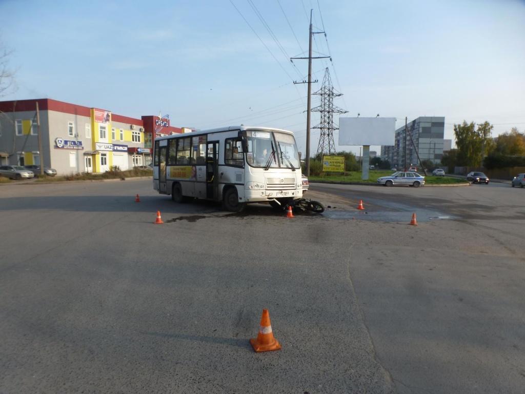 В Вологде пассажирский автобус сбил мотоциклиста