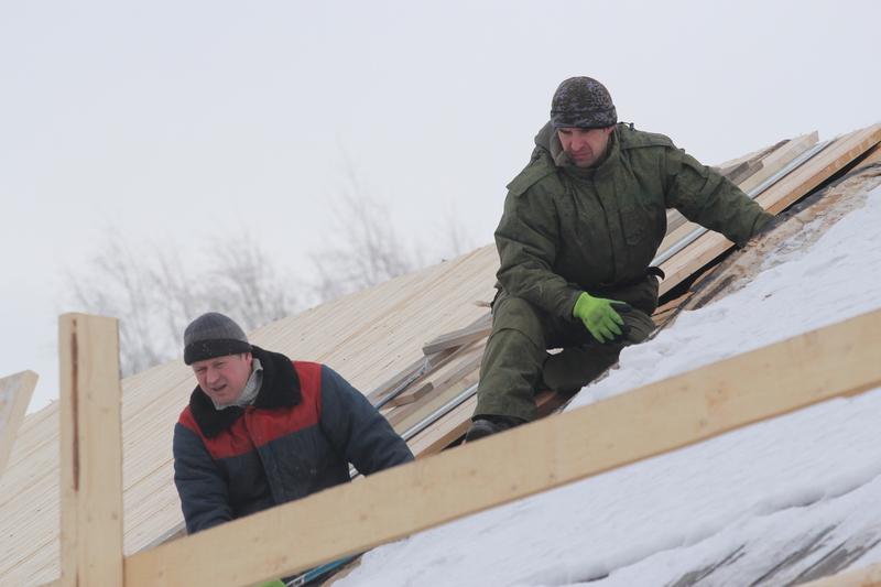 В «Семенково» отреставрируют тесовые кровли двух старинных домов