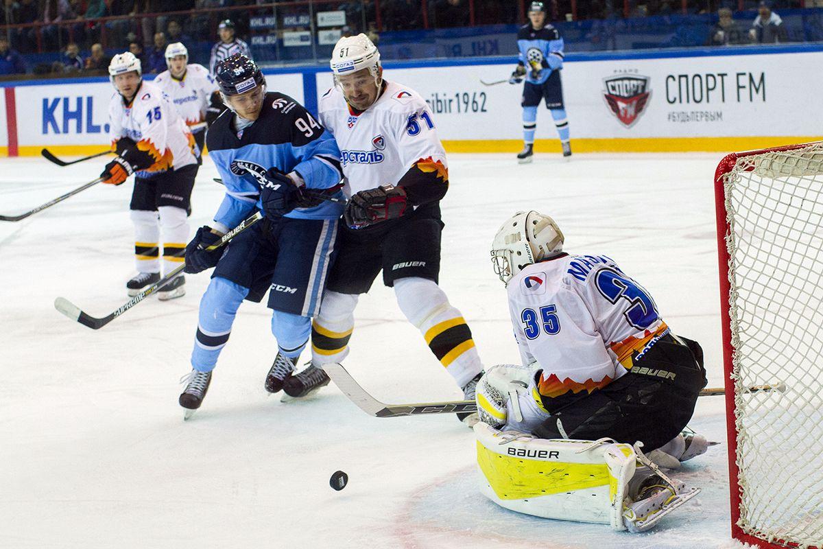 """Хоккейная команда """"Северсталь"""" начала выездную серию с поражения"""