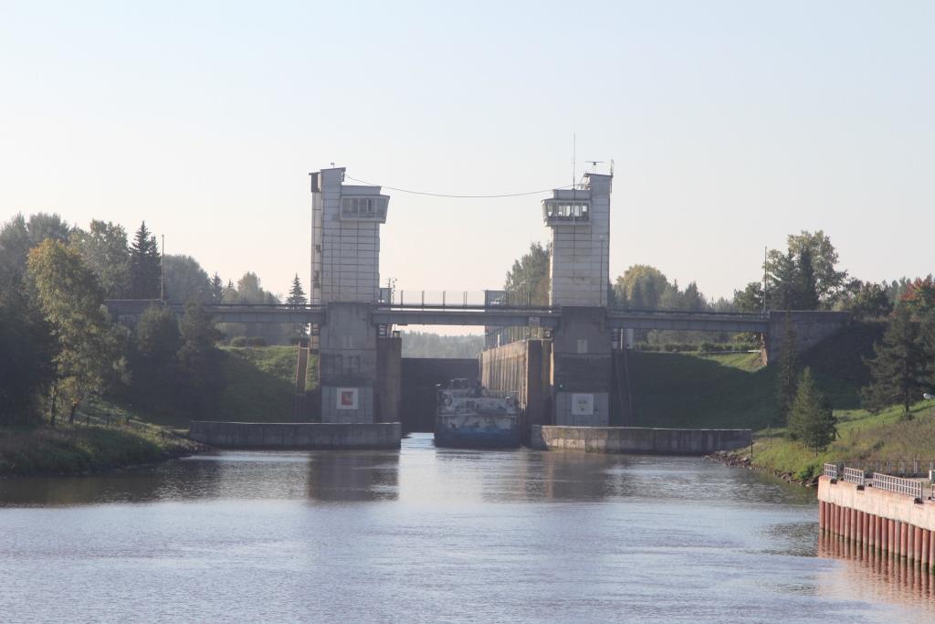 Маленький ребенок выпал за борт теплохода и утонул в Вологодской области