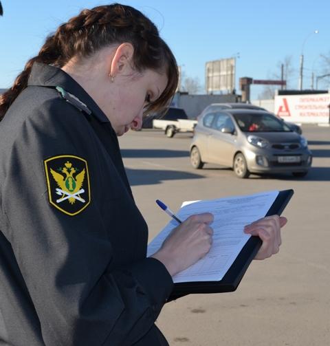 Пока должник из Череповца ходил за покупками, его машину арестовали