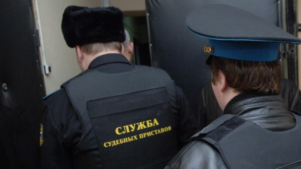За долги по ипотеке у вологжанки арестовали в квартире две комнаты