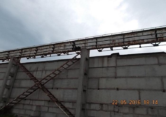 В Череповце на производственной базе 13-летний мальчик погиб от удара током