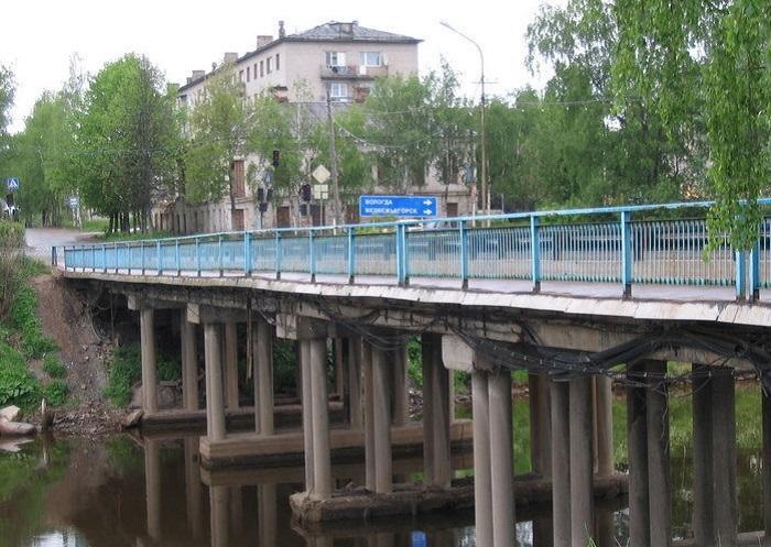 В Вытегре некачественно отремонтировали мост, а потом заключили контракт на эти работы