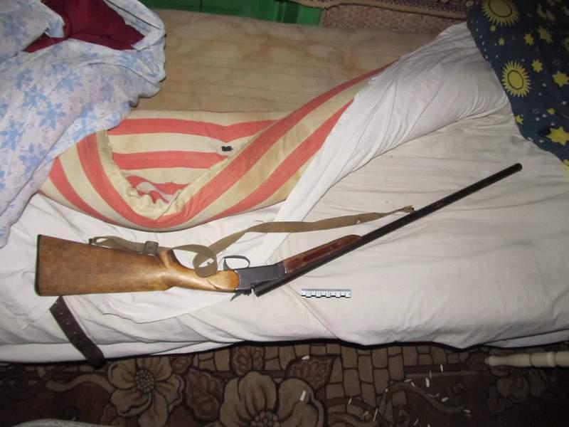 Житель Вологодской области устроил дома стрельбу и притворился спящим перед приехавшими полицейскими