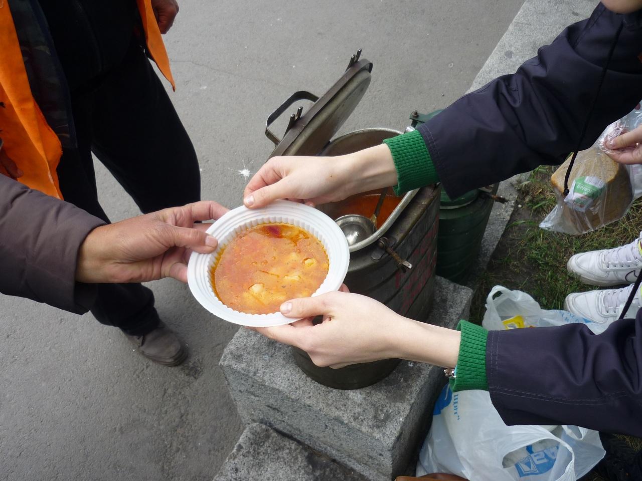 Неравнодушные череповчане решили организовать обед для бездомных