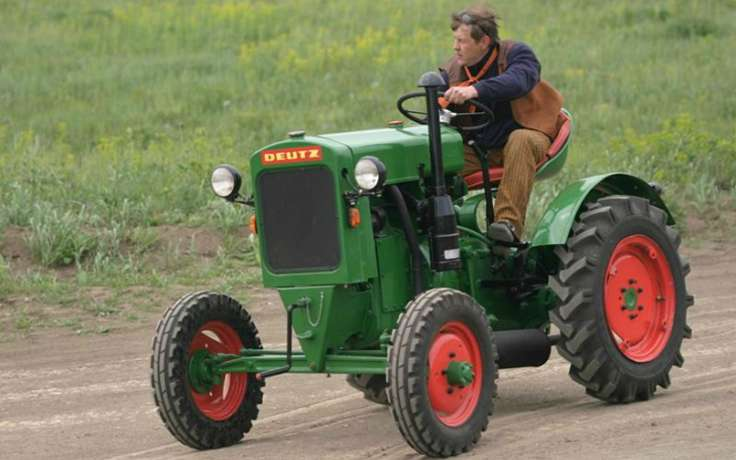 Вологжанин угнал трактор, чтобы произвести впечатление на девушку