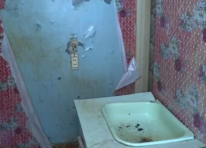 Сиротам в Вологодской области выделили жилье без воды, отопления и электричества