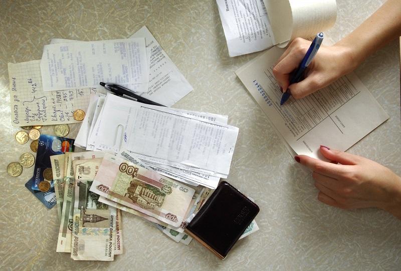 С июня вологжанам, у кого есть задолженность по коммуналке, перестанут выплачивать ЕДК