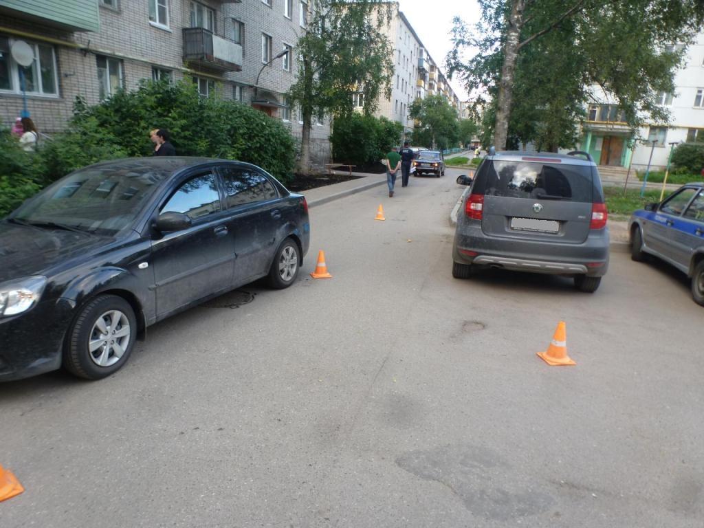 В Вологде водитель «шестерки» наехал на женщину с двумя детьми