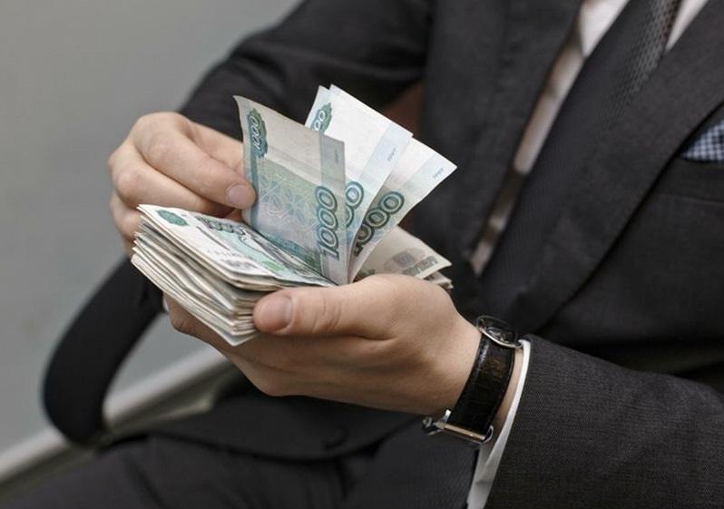 Чиновники Минпромторга повысили себе зарплаты вместо снижения