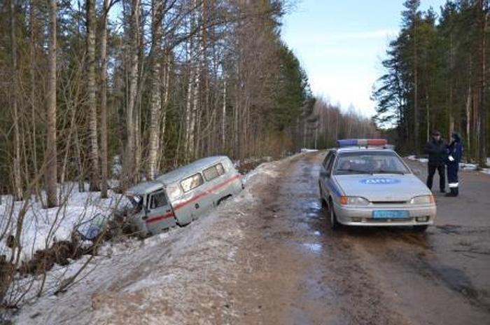 Пьяный водитель «скорой» устроил ДТП в Вологодской области