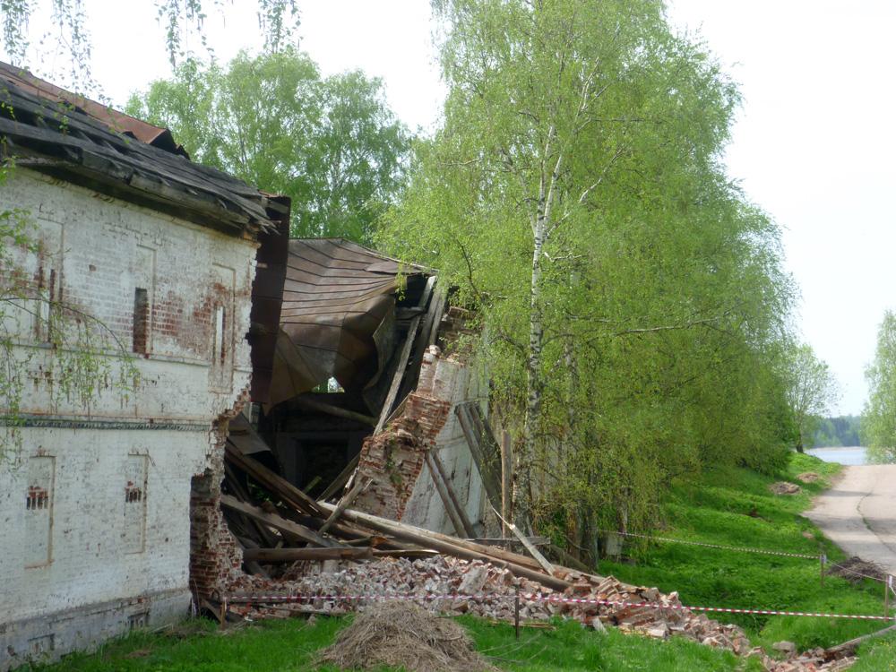 В Кириллове отреставрируют упавшую стену Горицкого монастыря